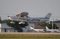 N1330N @ LAL - Cessna 172S