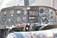D-EFSI @ EDMG - The cokpit needs some work - by Claus von Reibnitz