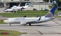 N13716 @ FLL - United