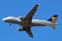 D-AILR @ EGLL - Airbus A319-114 [0723] (Lufthansa) Home~G 30/04/2015. On approach 27R