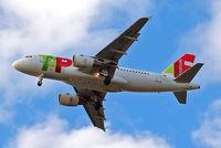 CS-TTJ @ EGLL - Airbus A319-111 [0979] (TAP Portugal) Home~G 30/04/2015. On approach 27R.