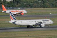 F-GMZE @ LFBO - Airbus A321-111, Landing rwy 14R, Toulouse-Blagnac airport (LFBO-TLS) - by Yves-Q