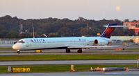 N913DN @ KATL - Taxi Atlanta - by Ronald Barker