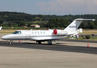 N525EZ @ LFMV - Parked at the General Aviation area... - by Shunn311