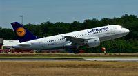 D-AILI @ EDDF - Lufthansa, is here lifting off at Frankfurt Rhein/Main - by A. Gendorf
