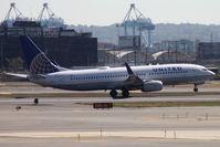 N77258 @ KEWR - Take off