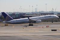 N41140 @ KEWR - Take off