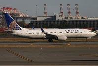 N35271 @ KEWR - Take off