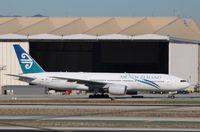 ZK-OKF @ KLAX - Boeing 777-200ER