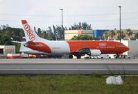 OE-IAG @ MIA - TNT Cargo 737-400
