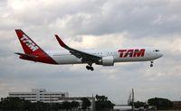 PT-MOB @ MIA - TAM 767-300
