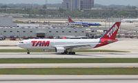 PT-MVC @ MIA - TAM A330-200