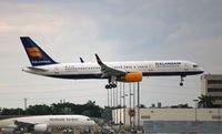 TF-FIN @ MIA - Icelandair 757