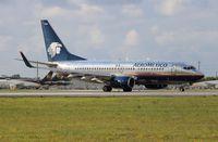 XA-NAM @ MIA - Aeromexico