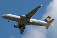 D-AIPK @ EGLL - Airbus A320-211 [0093] (Lufthansa) Home~G 15/05/2010. On approach 27R.