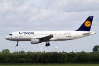 D-AIPK @ EDDL - Airbus A320-211 [0093] (Lufthansa) Dusseldorf~D 18/06/2011