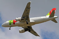 CS-TTD @ EGLL - Airbus A319-111 [0790] (TAP Portugal) Home~G 15/05/2010. On approach 27R. - by Ray Barber