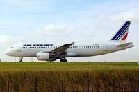 F-GKXF @ LFPG - Airbus A320-214 [1885] (Air France) Paris-Charles De Gaulle~F 24/06/2011