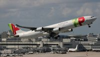 CS-TOB @ MIA - TAP Air Portugal