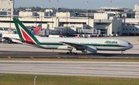 EI-ISD @ MIA - Alitalia