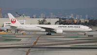 JA738J @ LAX - Japan Airlines