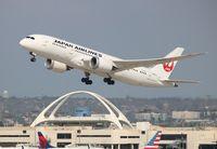 JA821J @ LAX - Japan Airlines
