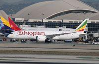 ET-AOT @ KLAX - Boeing 787-8