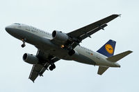D-AIBC @ EGLL - Airbus A319-112 [4332] (Lufthansa) Home~G 21/08/2014. On approach 27R. - by Ray Barber