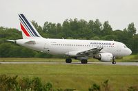 F-GRHI @ LFRB - Airbus A319-111, Taxiing to holding point rwy 25L, Brest-Bretagne Airport (LFRB-BES) - by Yves-Q