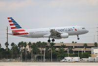 N104UW @ MIA - American A320
