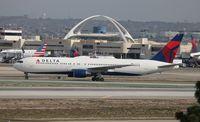 N129DL @ LAX - Delta 767-300