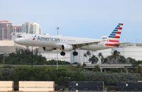 N169UW @ FLL - American A321