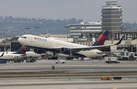 N194DN @ LAX - Delta