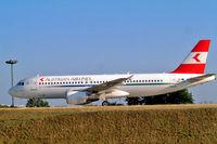 OE-LBQ @ LFPG - Airbus A320-214 [1137] (Austrian Airlines) Paris-Charles De Gaulle~F 24/07/2004. Old scheme.