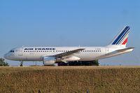 F-GFKB @ LFPG - Airbus A320-111 [0007] (Air France) Paris-Charles De Gaulle~F 24/07/2004