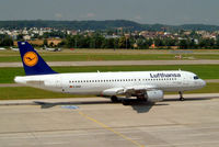 D-AIQH @ LSZH - Airbus A320-211 [0217] (Lufthansa) Zurich~HB 22/07/2004 - by Ray Barber