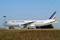 F-GFKJ @ LFPG - Airbus A320-211 [0063] (Air France) Paris-Charles De Gaulle~F 24/07/2004
