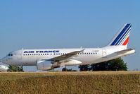 F-GRXF @ LFPG - Airbus A319-111 [1938] (Air France) Paris-Charles De Gaulle~F 24/07/2004