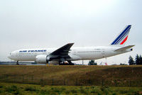 F-GSPV @ LFPG - Boeing 777-228ER [28684] (Air France) Paris-Charles De Gaulle~F 24/07/2004