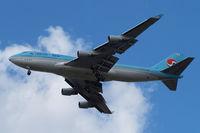 HL7489 @ EGLL - Boeing 747-4B5 [27072] (Korean Air) Home~G 29/08/2009. On approach 27R.
