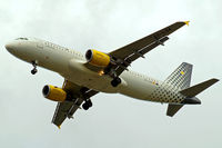 EC-LSA @ EGLL - Airbus A320-214 [4128] (Vueling Airlines) Home~G 11/07/2012. On approach 27R.