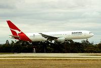 VH-ZXD @ YMML - Boeing 767-336ER [24342] (QANTAS) Melbourne-Tullamarine~VH 20/03/2007