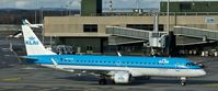 PH-EZS @ LSZH - KLM-Cityhopper, is here on the way to the gate at Zürich-Kloten(LSZH) - by A. Gendorf