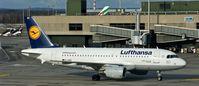 D-AIBD @ LSZH - Lufthansa, is here taxiing at Zürich-Kloten(LSZH) - by A. Gendorf