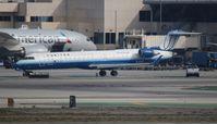 N760SK @ LAX - United Express