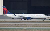 N801DZ @ LAX - Delta