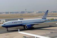 N769UA @ EDDL - Boeing 777-222 [26921] (United Airlines) Frankfurt~D 09/09/2005