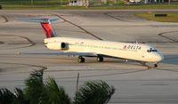 N916DL @ FLL - Delta