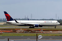 N199DN @ LFPG - Boeing 767-332ER [28456] (Delta Air Lines) Paris-Charles De Gaulle~F 17/07/2011