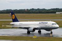 D-AIPY @ EDDL - Airbus A320-211 [0161] (Lufthansa) Dusseldorf~D 18/06/2011